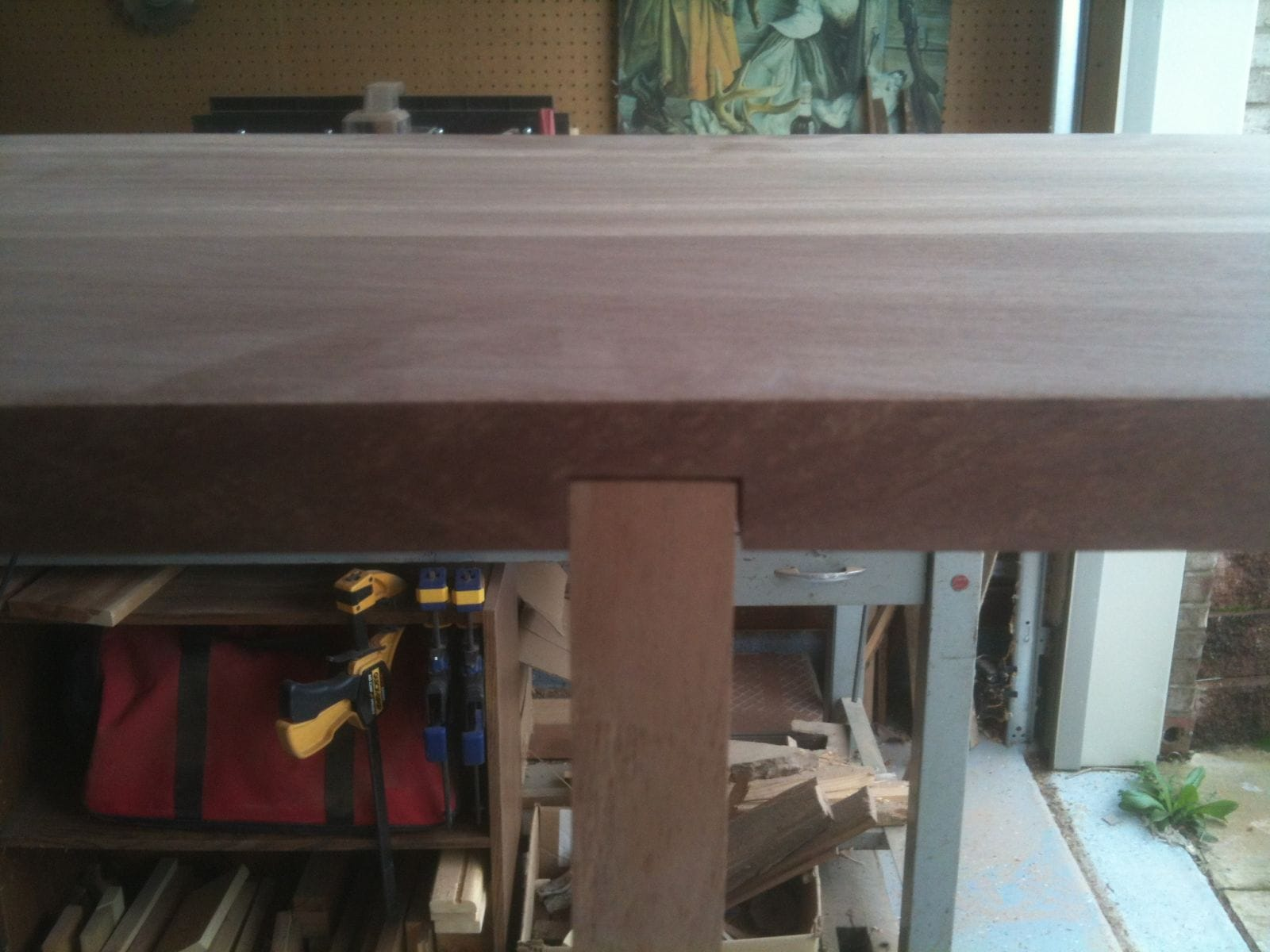 shelf joint close up - back