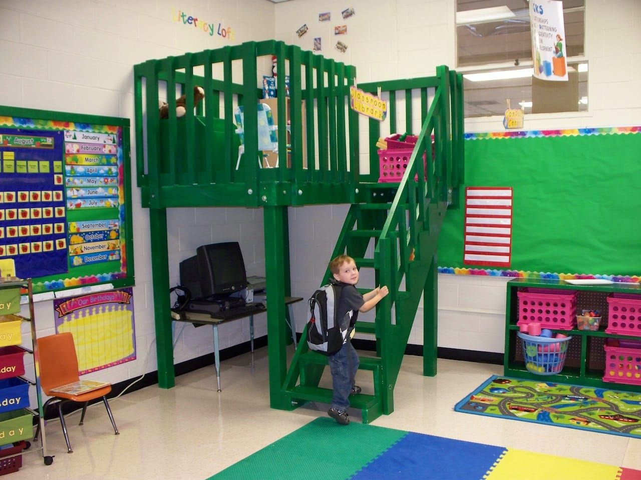 Reading Loft For My Wife 39 S Classroom Furniture Wood