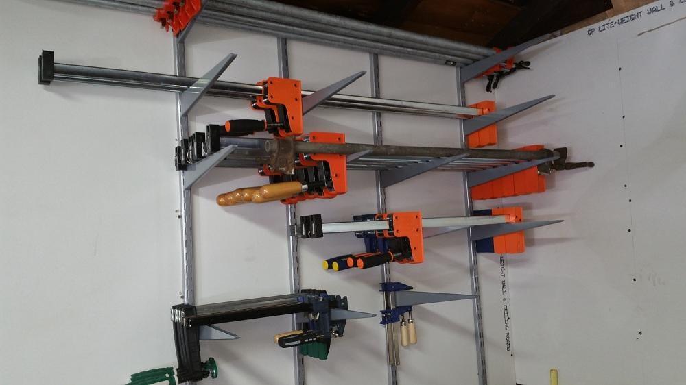 shop3.thumb.jpg.8d3b74979fee77f413f142c3