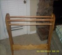 pilgrim style quilt rack