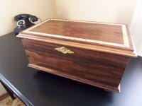 Walnut inlaid keepsake box