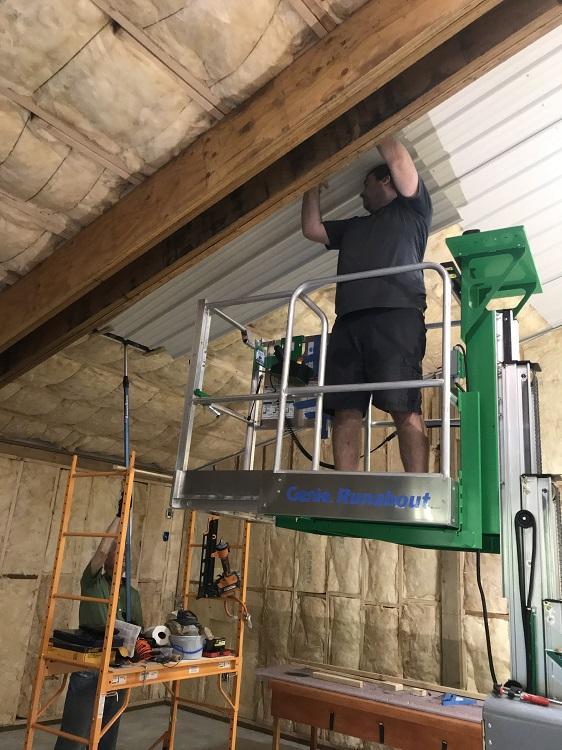 ceiling.jpg.94a837455cda9405d74e996d1694152d.jpg