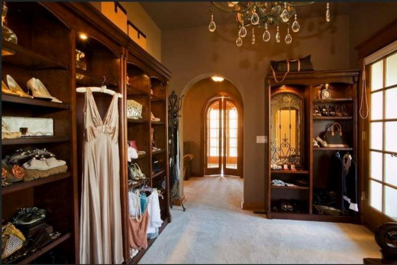 Glam Closet.JPG