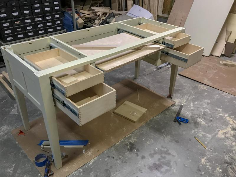 desk3.thumb.jpg.dbbbaa633b1e3bfbe4bb3a8b16f29edb.jpg