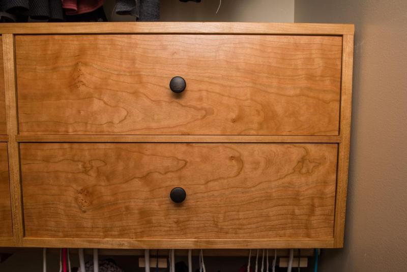 Closet01.thumb.jpg.d9f6bf14ef4c53a26e43ee993b7f52df.jpg