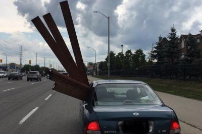 unsafe-lumber-transport.jpg.7fe833bcc2e393e468545c9a6247d940.jpg